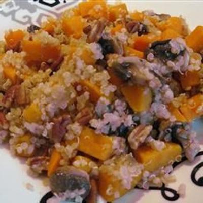 quinoa met zoete aardappel en champignons