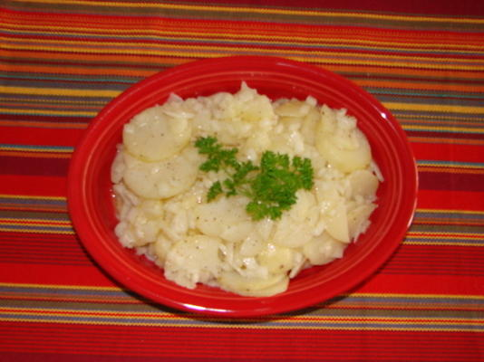 bayrischer kartoffelsalat (aardappelaardappelsalade)