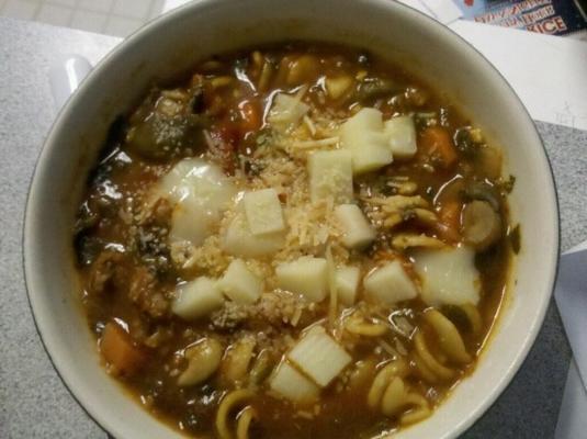 tomaat, Italiaanse worst en vegetarische soep